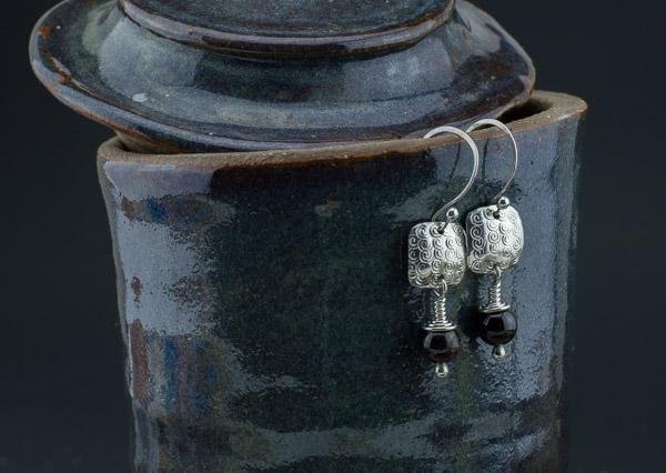 silver-garnet-square-earrings5